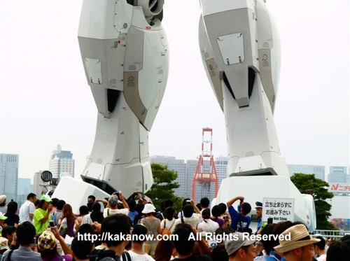 This Gundam model is very huge, it is 1:1 full size just like the size in the animation. Japan, Tokyo, Shiokaze Park, Photo by kaka