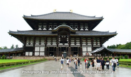 In Todaiji Temple (United Nations World Heritage Site), there is the world's largest ancient wooden building. Nara, Japan, Photo by KaKa