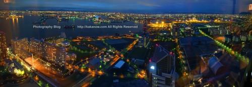 The night view of Osaka bay, from the Osaka World Trade Center 48 floor. Japan, Osaka, Photo by KaKa.