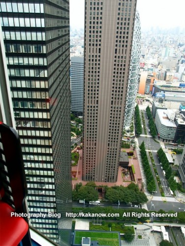 In Tokyo, many High-rise buildings only have very small land area. Japan, Tokyo, Shinjuku, Photo by KaKa. http://kakanow.com