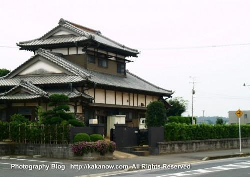 A beautiful Japanese villa. Japan travel, Tokyo suburbs. Photo by KaKa.