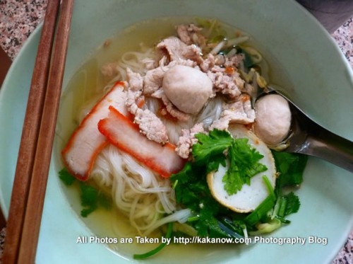 Thailand travel, Chiang Mai. Very delicious Thai noodles. Photo by KaKa.