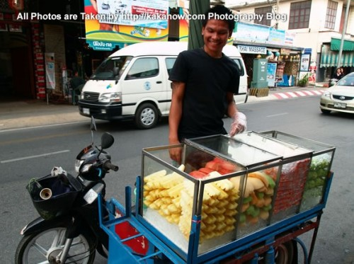Thailand travel, a traditional market in Chiang Mai. Fresh fruits. Photo by KaKa.