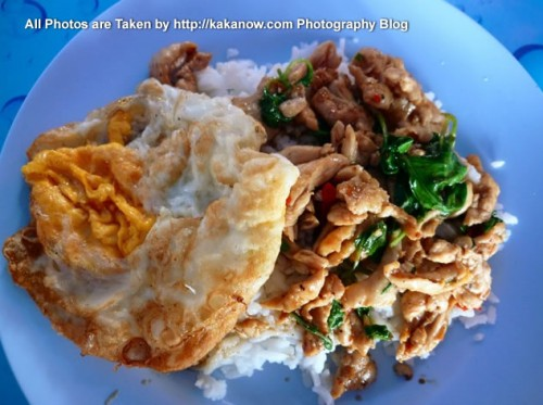 Thailand travel, Ayutthaya, super delicious fried rice, the price is only about 1 USD. Photo by KaKa.