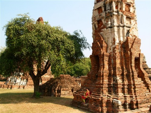 Thailand travel, Ayutthaya, The temple ruins. Photo by KaKa.