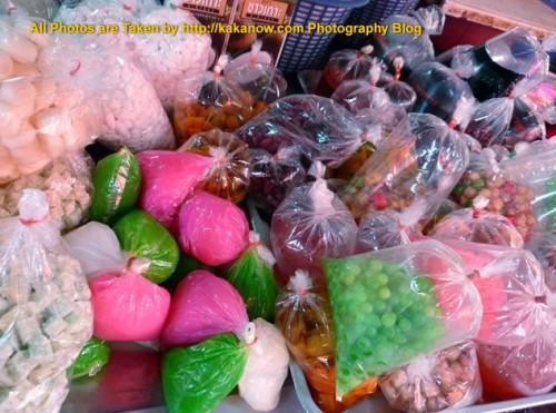 Thailand travel, Ayutthaya, Traditional market, Thai Style Desserts. Photo by KaKa.