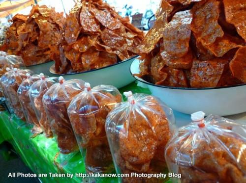 Thailand travel, Ayutthaya, Traditional market, Thai style snack. Photo by KaKa.