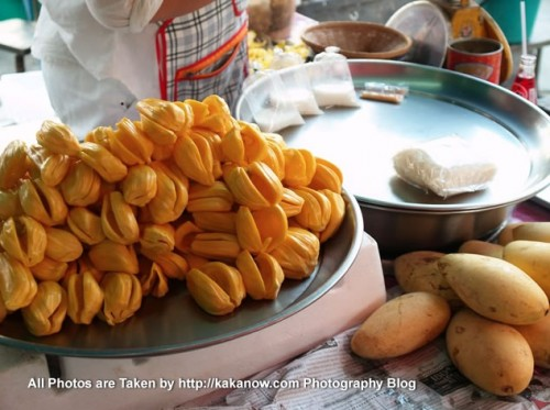 Thailand travel, Ayutthaya, Traditional market, Jackfruit. Photo by KaKa.