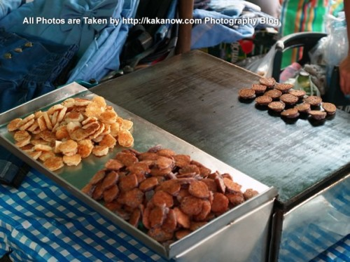 Thailand travel, Ayutthaya, Traditional market, Cookies. Photo by KaKa.
