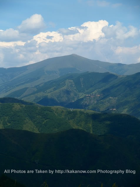 China travel, Shanxi Province, Wutai Mountain, the beautiful mountains. Photo by KaKa.