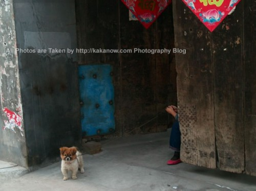 China travel, Shanxi Province, Taigu County Town. A door of a home. Photo by KaKa.